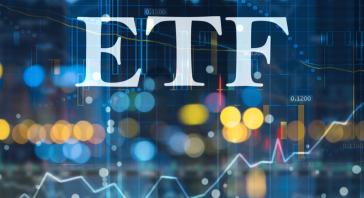 Prekiaukite populiariausiais biržoje prekiaujamais fondais (ETF) ir uždirbkite iš didėjančių ar mažėjančių kainų
