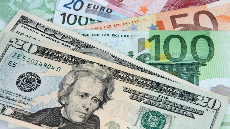 Trade EUR/USD