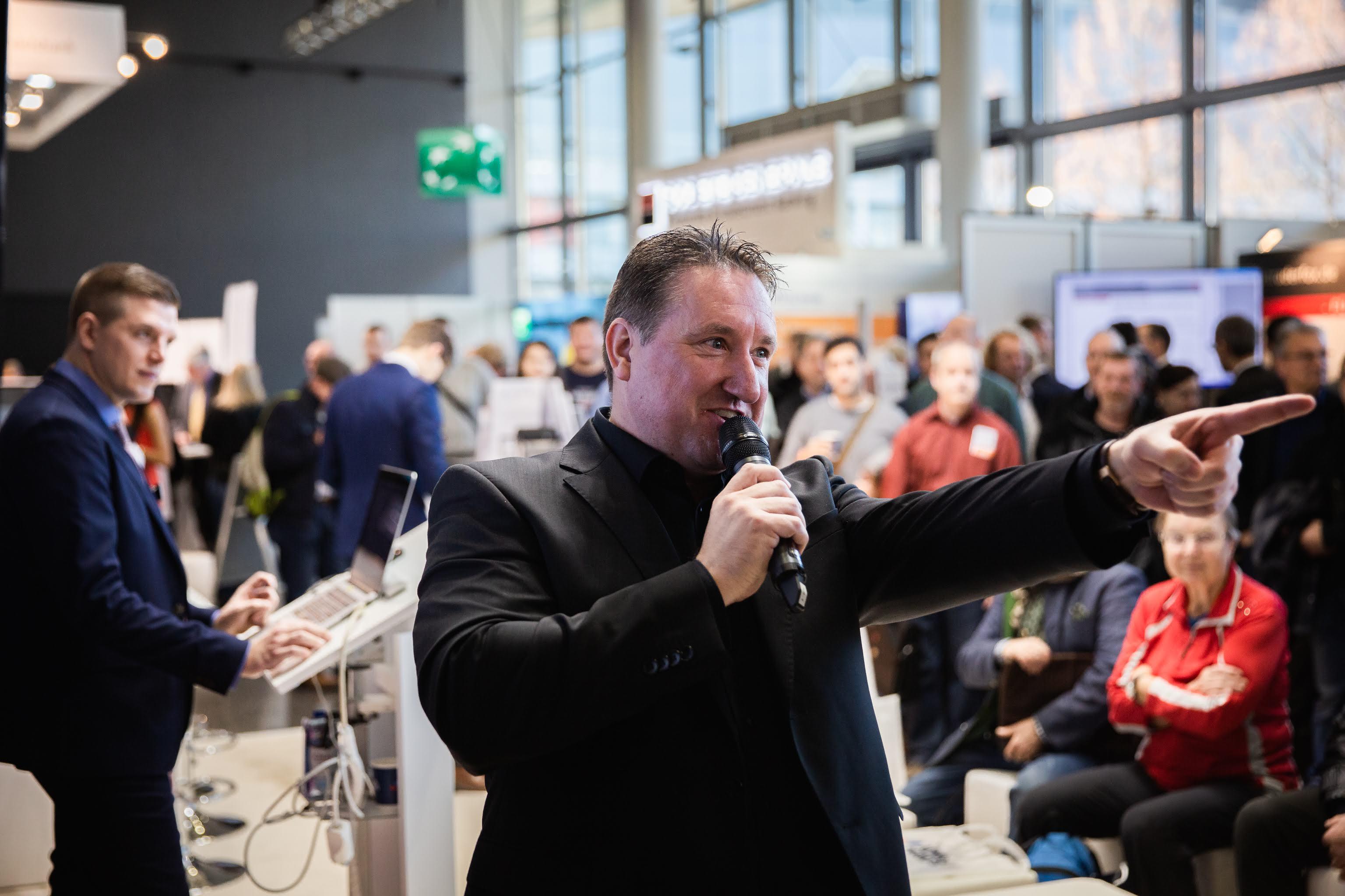 "Markus Gabel vada tirgus diskusiju ""DowHow"""