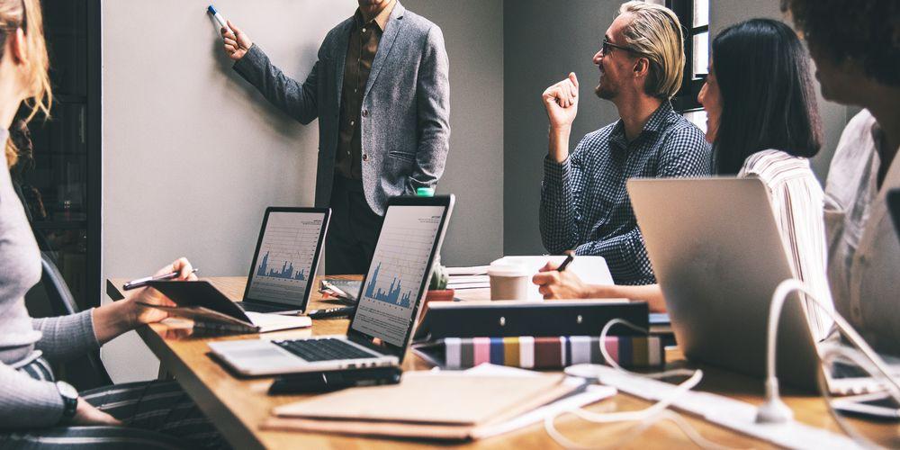 Phương pháp giao dịch hiệu quả dựa trên báo cáo doanh thu