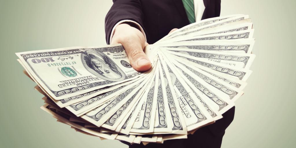 dideli pinigai mažiau rizikos prekybos galimybės)