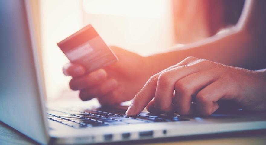Nowe warunki dla depozytów za pomocą karty kredytowej