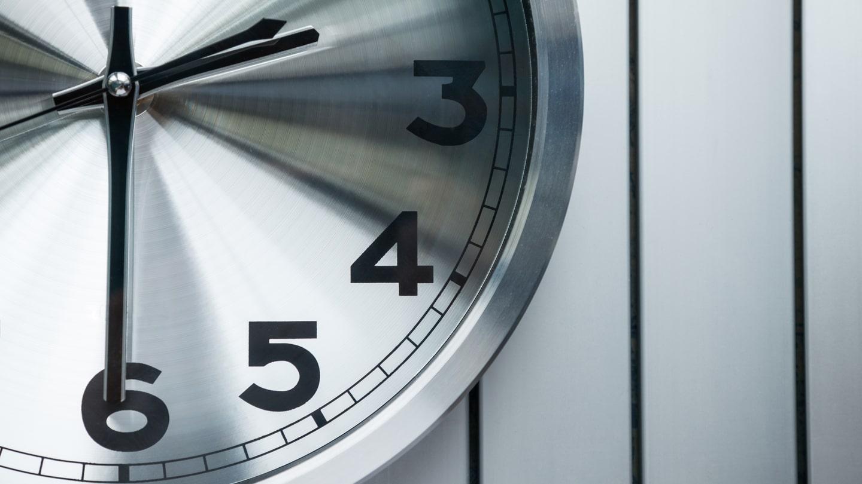Änderungen der Handelszeiten aufgrund der in den USA verschobenen Zeitumstellung