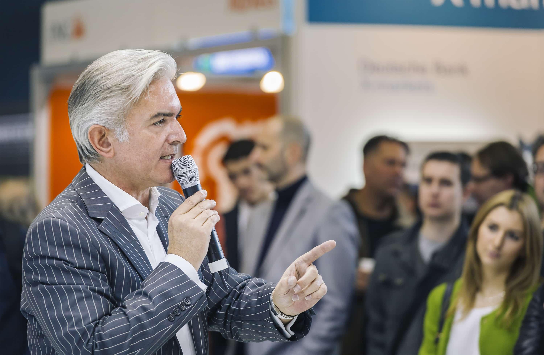 Live-Trading DAX, Dow, EURUSD & Co mit Daytrader Jochen Schmidt